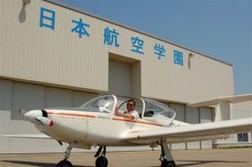 日本航空専門学校 モグラパイロットの久保田先生